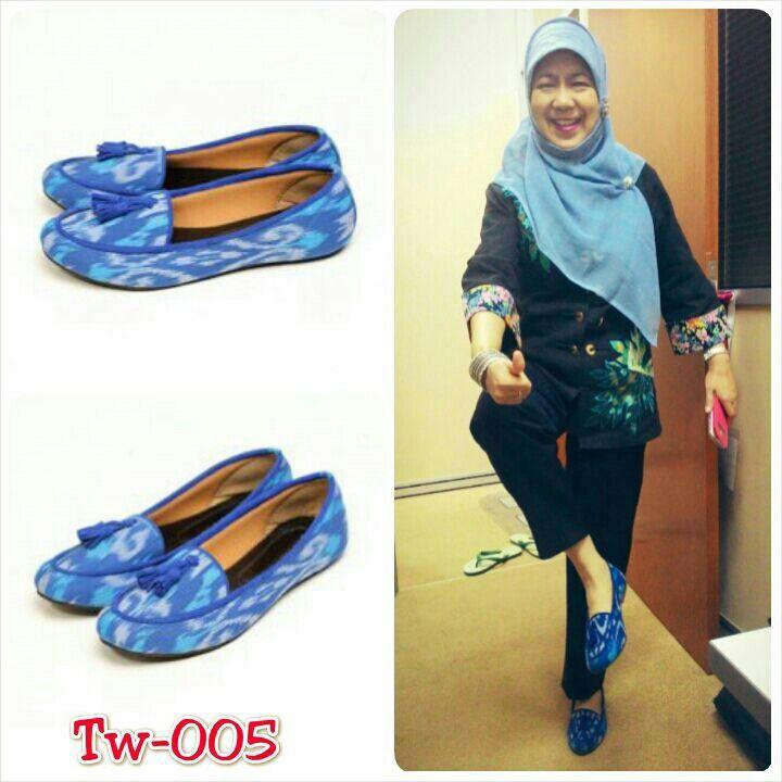 Sepatu tenun ikat, uk 36 sd 41, minat hub. Ke Facebook: shop lombok, Instagram: tenun_dan_mutiara_sasak, watsap:  087865461834, pin BB: 7DAC95EC