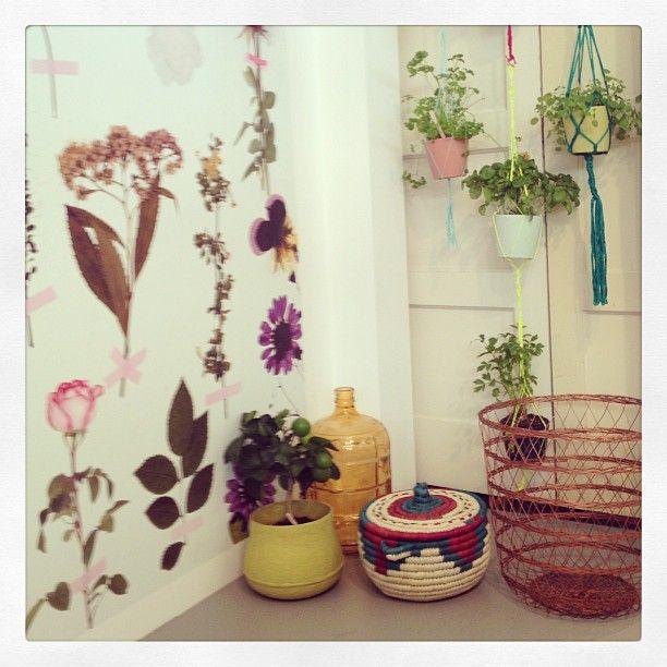 """@Nancy Moore's photo: """"Taped flowers #wallpaper @Liesbeth Bishop Bishop meijerën D.I.Y. magazine #woonbeurs #mtbams""""#instagram"""