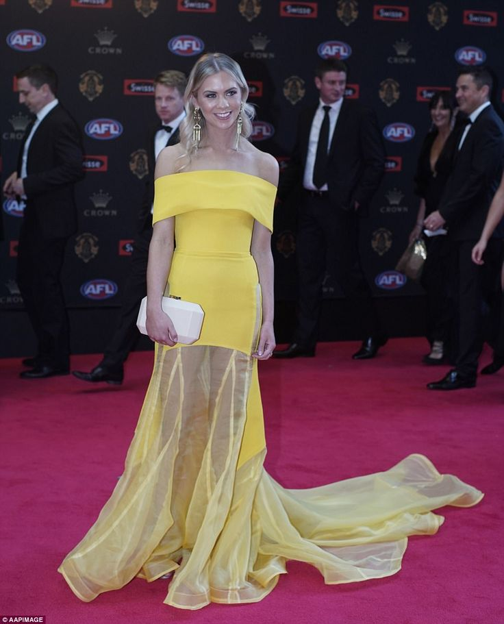 Georgia Young Couture / Brownlow 2017 / Ellie Thornycroft