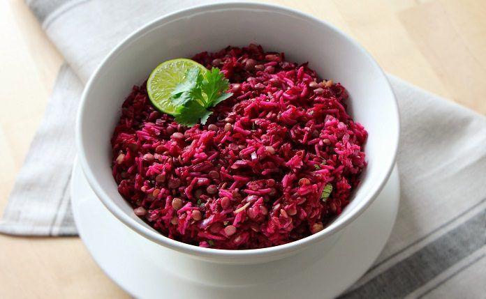 RECEPT: Novoroční čočkový salát s červenou řepou