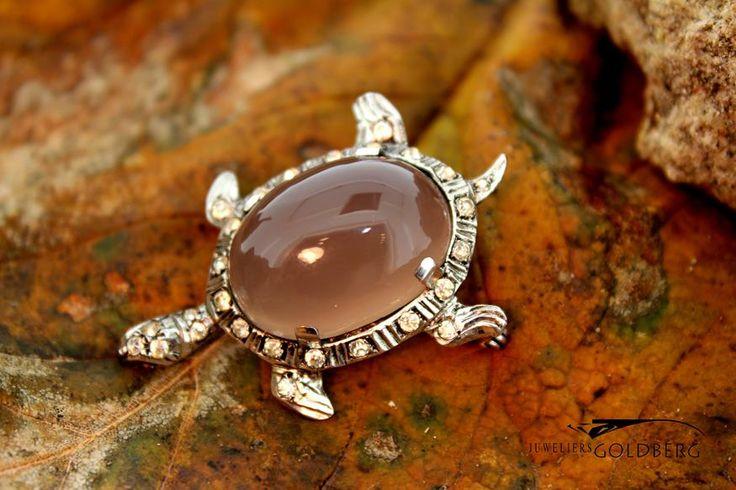 Lovely antique silver turtle brooch with zirconia's and moonstone from the 1920s. Goldberg Juweliers: http://www.goldbergjuweliers.nl/shop/products-page/antieke-sieraden/antieke-zilveren-broche-met-maansteen-jaren-20