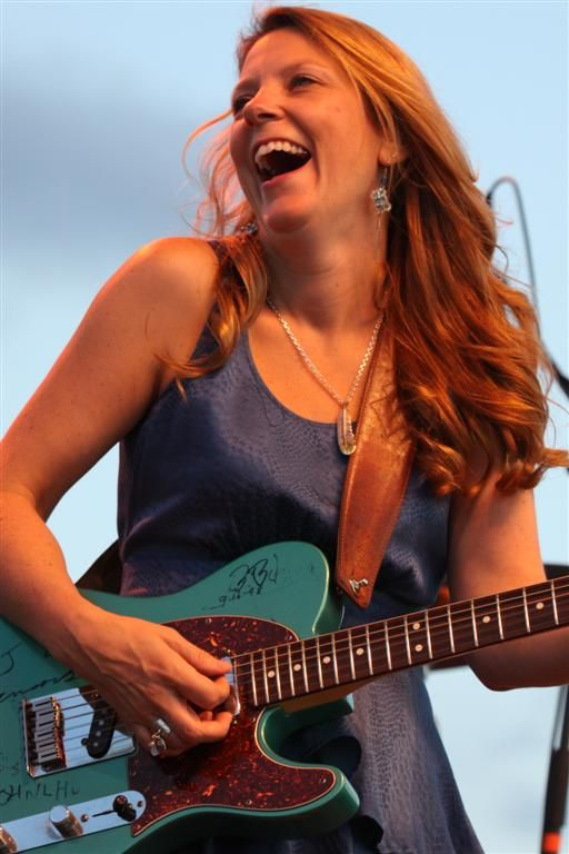 Susan Tedeschi, great blues guitarist. #blues #theblues #guitarists http://www.pinterest.com/TheHitman14/musician-bluesjazz-%2B/