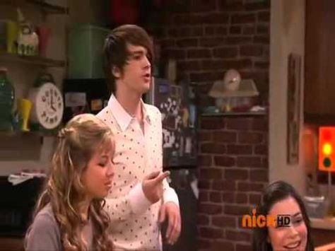"Drake & Josh/ iCarly Blooper- ""Where's Josh?"" - YouTube"