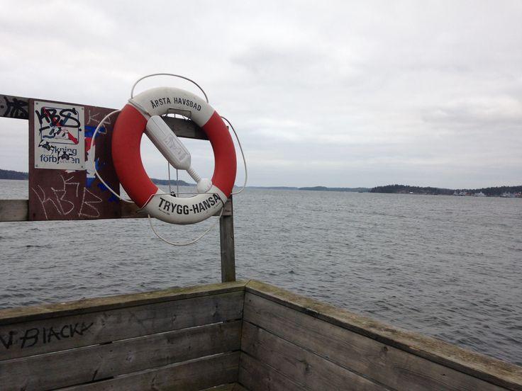 Årsta havsbad är en småort i Haninge kommun, Stockholms län, belägen vid Horsfjärden.