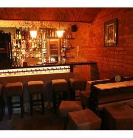 Pub Magiel to lokal położony nieopodal Placu Nowego na krakowskim Kazimierzu, przy ul. Meiselsa 9.