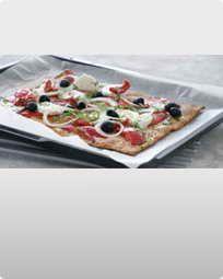 Pizza med grøntsager og bøffel mozzarella
