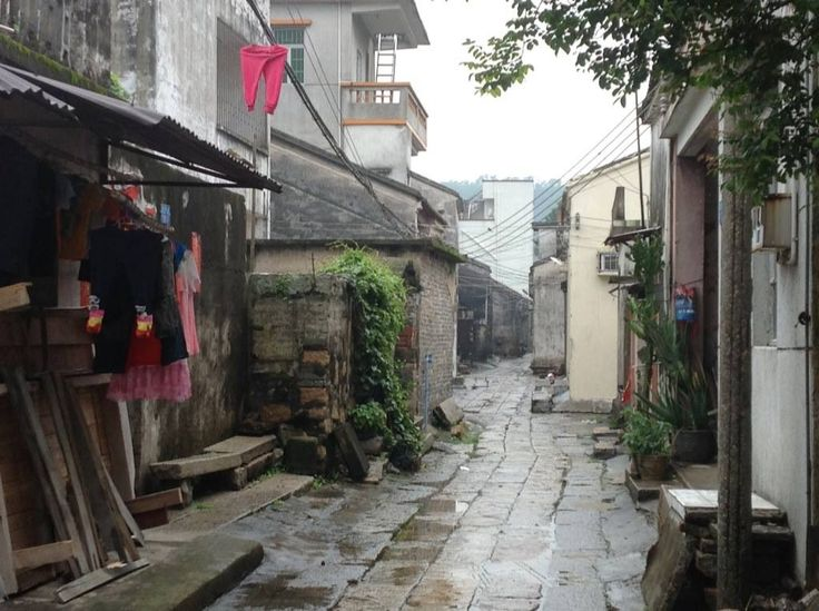 Qi'ao island - walking through the village