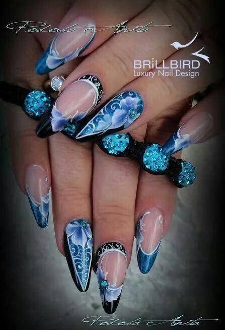 Anita Podoba amazing nails.