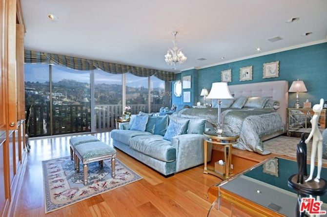 Joan Collins Lists Sierra Towers Unit For $5 Million > http://onforb.es/1MrccAH < Love the teal!