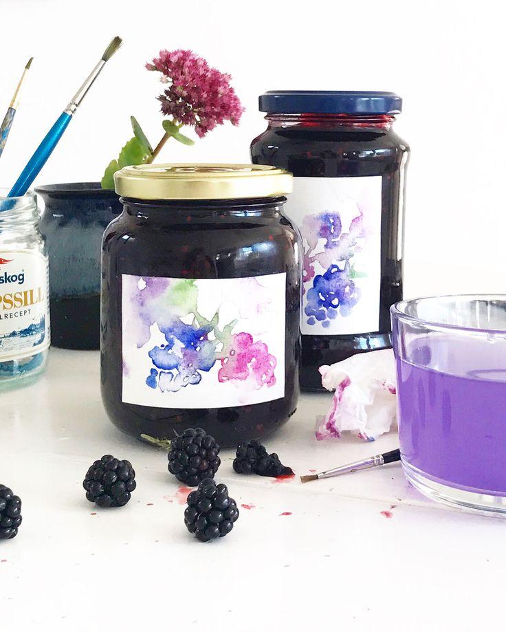 Jam jar labels with watercolor by Matilda Svensson.