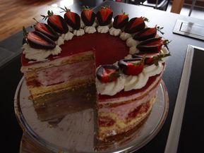 Erdbeer - Schmand - Torte, ein raffiniertes Rezept aus der Kategorie Frühling. Bewertungen: 34. Durchschnitt: Ø 4,3.