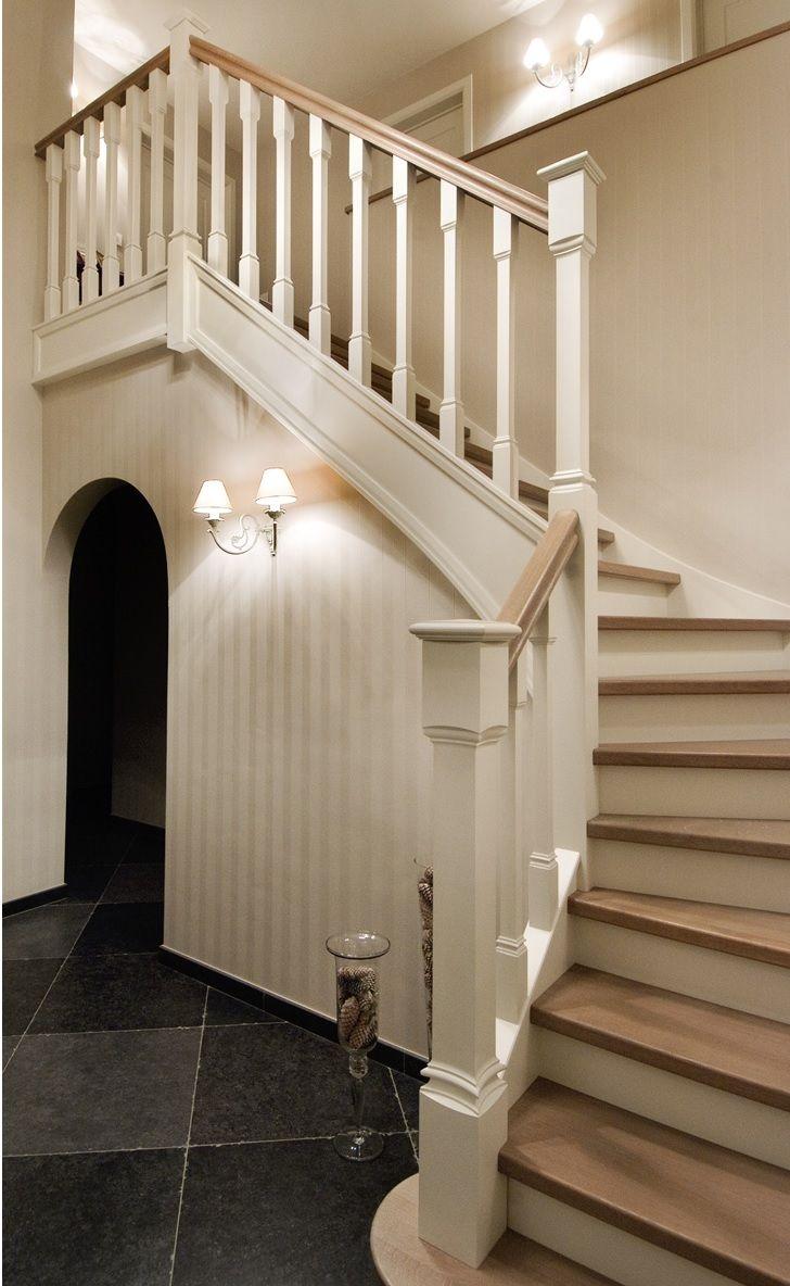 25 beste idee n over trap makeover op pinterest trap verbouwen trap leuning en leuning verbouwen - Kleur idee entreehal ...