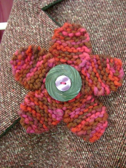 1000+ ideas about Knitted Flowers on Pinterest Knitting patterns, Knitting ...