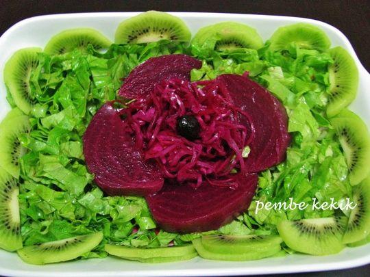 kivili yeşil salata tarifi, meyveli salata, kırmızı lahana turşusu, pancar turşusu, kivinin faydaları, Şifalı bitkiler ve vitaminler kitabı