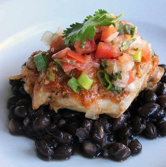 Pin for Later: 14 Healthy Slow-Cooker Dinner Recipes to Make Immediately Protein-Rich Mexican Chicken Thanks to lean chicken breasts and toasted pumpkin seeds, this tender Mexican chicken dish is packed full of protein.