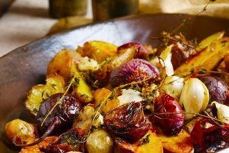 Rýchle recepty: Pečená cvikla s cesnakom, balsamicom a opečenými zemiakmi