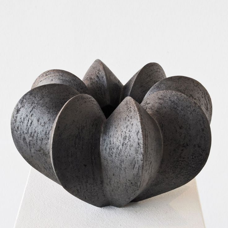 Ceramic vessel by German ceramic sculptor Joachim Lambrecht (b.1958). via the artist's site