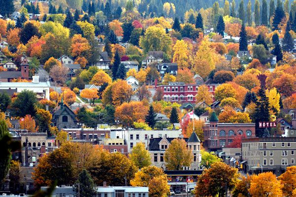 Join us on a bus trip to the City of Nelson on October 3, 2015. Nelson acts as the perfect example of a revitalized heritage downtown. Our bus tour from Rossland includes a stop at the Brilliant Suspension Bridge in Castlegar, a walking tour of downtown Nelson by historians Ron Welwood and Greg Scott ,and a guided tour of the newly renovated Nelson CPR station by Construction Manager Joern Wingender. Click the photo to register online.