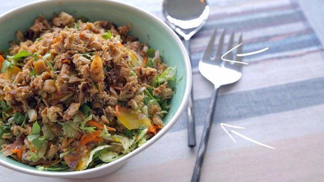 Salade de choux de Bruxelles au poulet croustillant | Cuisine futée, parents pressés