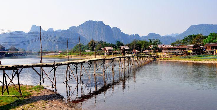 Vang Vieng, Laos (par Gedsman). En savoir plus: http://voyager-au-laos.com/sites-a-visiter/vang-vieng