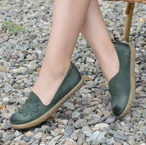 New Handmade Large Size Shoes for Women Flat Fall Shoes