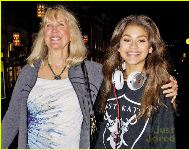 Zendaya Coleman Real Family The gallery for -->...