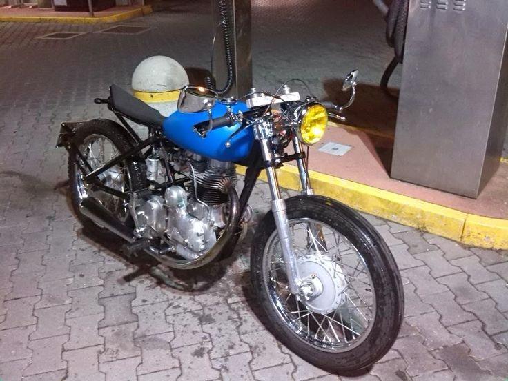 "BLUE HORIZON CAFE' RACER: LA ""BLUE HORIZON"" E' ON THE ROAD"
