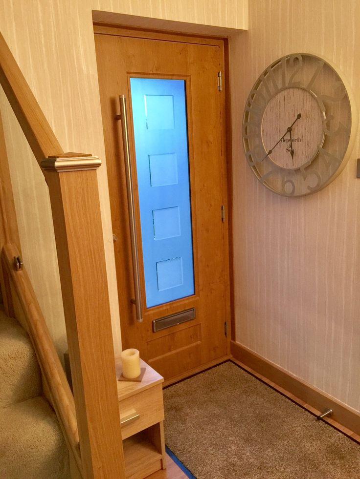 A fantastic internal shot of a light oak Vogue fitted with Cube glass.  #Rockdoor #Vogue #Frontdoor #Compositedoor