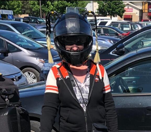 HELMET PONYTAIL...YELLOW       MOTORCYCLE,SKATE,BATTING