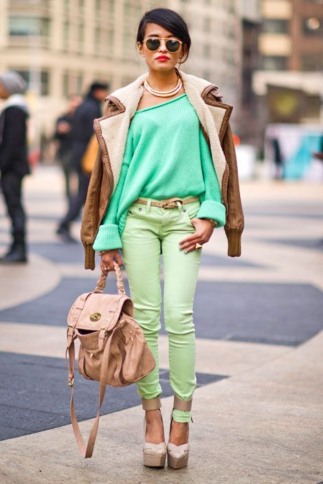 : Colors Combos, Mint Green, Fresh Minds, Fashion Week, Neon Green, Outfit, Street Styles, Shades Of Green, Green Pants