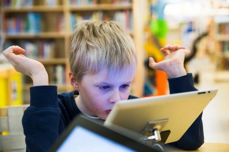 Ovatko digitaaliset pelit lapselle hyväksi vai haitaksi? Lue asiantuntijoiden vastaukset. (Yle Uutiset, 28.2.2016)