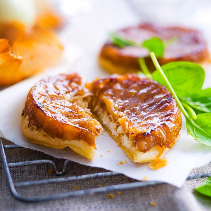 Découvrez la recette tarte tatin aux oignons sur cuisineactuelle.fr.