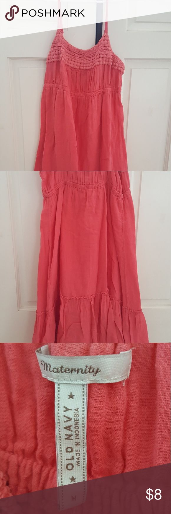 Maternity dress Used Spagetti strap maternity dress, knee length. Old navy maternity. Old Navy Dresses
