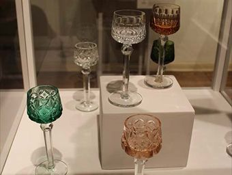 Vitrina con copas modelo Rhin