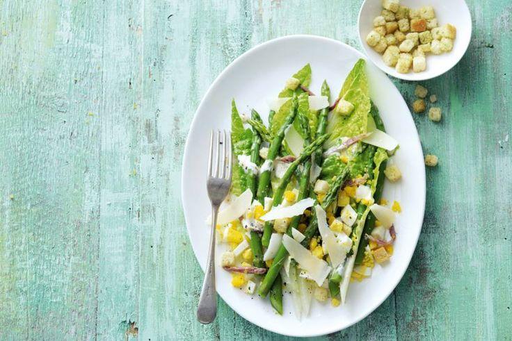 Proef het seizoen met deze knapperige en frisse Ceasarsalade - Recept - Allerhande