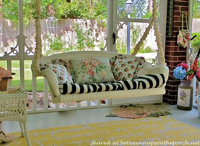 25 Unique Outdoor Swing Cushions Ideas On Pinterest: 25+ Best Ideas About Victorian Porch Swings On Pinterest