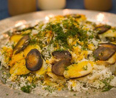 Persiskt saffransris eller bondbönrisotto med dill lämnar dig inte oberörd. Tar lite tid att göra men du kommer att njuta av de vackra färgerna och de gudomligt goda smakerna hos saffran och berberisbär.