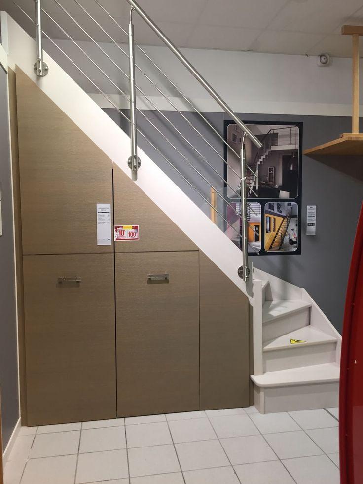 """Photo """"Idée d'aménagement sous escalier chez Lapeyre (on  (...)"""""""