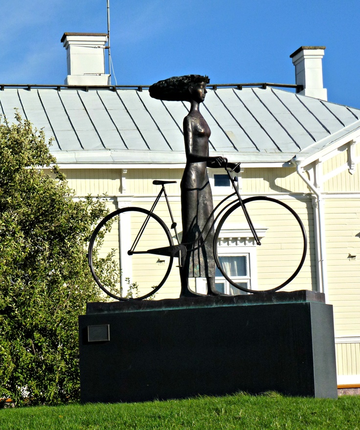 hanko finland. what everyones hair looks like because it's always that windy! i love this statue.