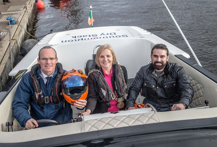 Major of Dublin, Minister Simon Coveney and Ant Middleton in the Dublin City sponsored powerboat | Venture Cup Race