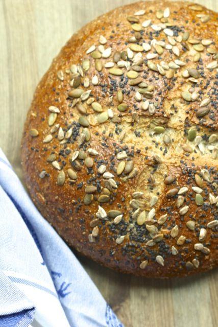 Dakota bread:  a big, beautiful, multigrain loaf that's perfect for your Thanksgiving table.  #dakotabread #sevengraincereal