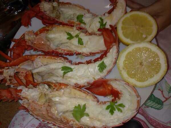 Simple lobster dish with lemon and extra virgin olive oil