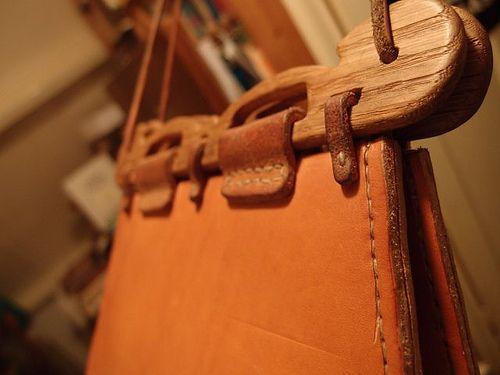 Haithabutashe leatherwork