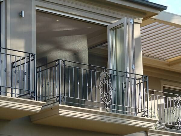 Retractable Screens are excellent for allowing in fresh air!