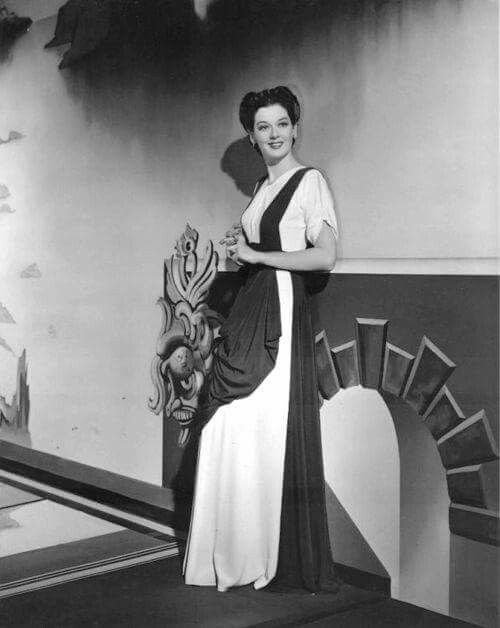 17 Best Images About Stars Rosalind Russell On Pinterest
