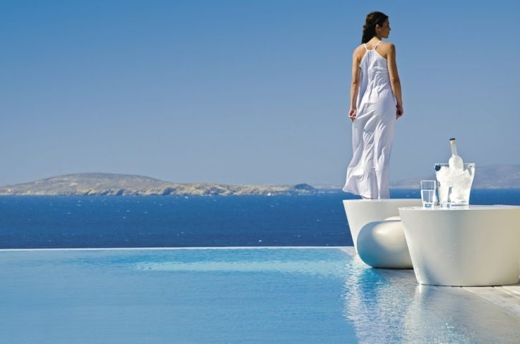 Πώς βαθμολογούν οι τουρίστες τα ελληνικά ξενοδοχεία