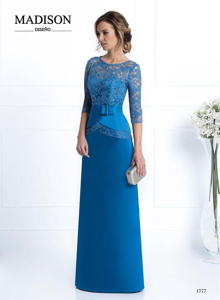 vestido de fiesta largo color azul de encaje