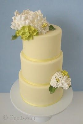 #Pastel yellow wedding ... Wedding cake with white peony and green hydrangea on pale yellow... Wedding ideas for brides, grooms, parents & planners ... https://itunes.apple.com/us/app/the-gold-wedding-planner/id498112599?ls=1=8 … plus how to organise an entire wedding ♥ The Gold Wedding Planner iPhone App ♥