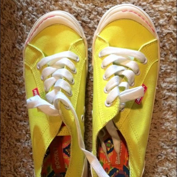 Rocket Dog neon yellow sneakers Never worn Rocket Dog Shoes Sneakers