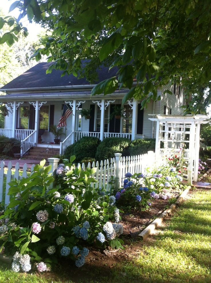 Exceptional Houses With Guest Homes For Sale #7: River Cottage Guest House In Savannah, TN | Where I Come From | Pinterest |  River Cottage, Guest Houses And Chats Savannah